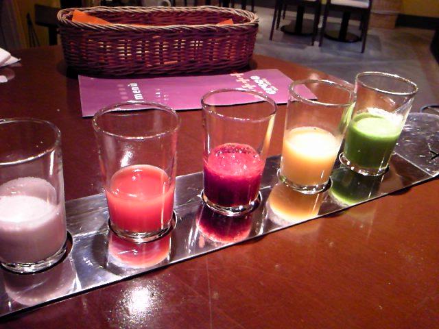 五色の気付けジュース
