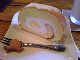絵本カフェholoholo 〜 癒し系ロールケーキ